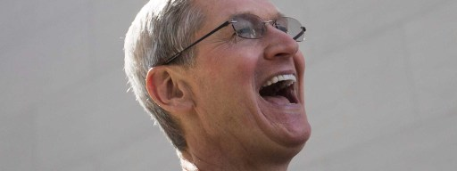 high-paid_ceo_tim_cook_laughing
