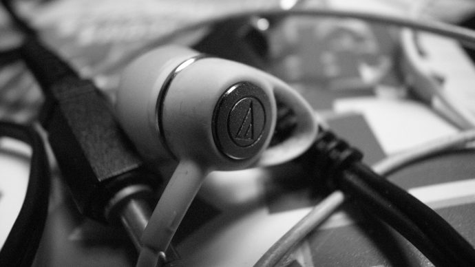 the_advantages_of_the_usb_earphone