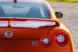 2017_nissan_gt-r_review_10