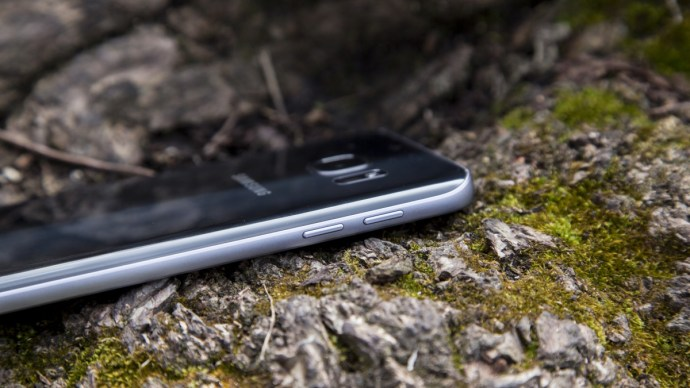 iphone_7_vs_samsung_galaxy_s8_-_samsung_galaxy_s7_battery