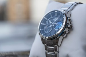 Casio Edifice EQB-600 right side