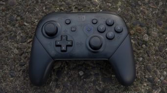 nintendo_switch_review_pro_controller_front_on