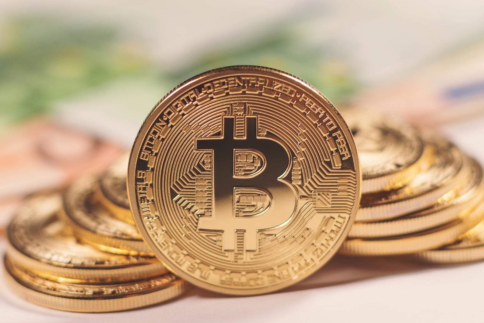 how does bitcoin make a profit where to trade bitcoin uk
