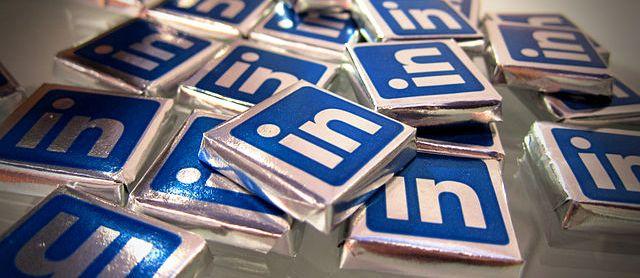 LinkedIn describe su esquema de mentores como Tinder para trabajos