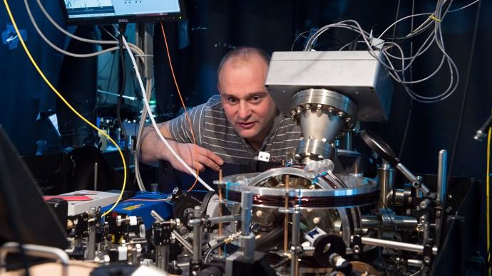 quantum_computing_3_hensinger