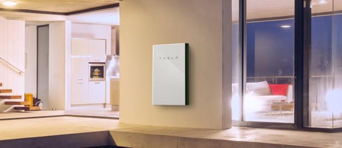 2120x920-powerwall2-indoors