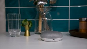 google_home_mini_review_-_design_0
