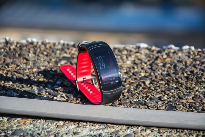 samsung_gear_fit2_pro_review_-_1