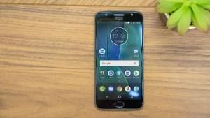 Motorola Moto G5S Plus front and screen