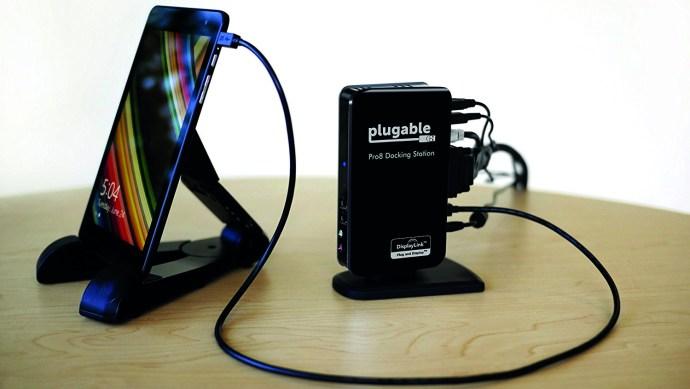 plugable_pro8_docking_station_3