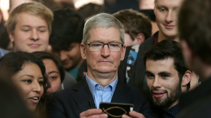 apple_breaks_company_profit_record_despite_bad_iphone_x_omens_and_beats_samsung_in_the_phones_game_2