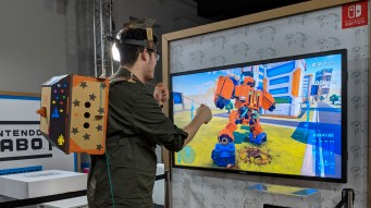 nintendo_labo_hands-on_-_toy-con_robot_suit_punching