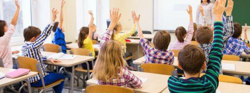 teacher_classroom_hands_up