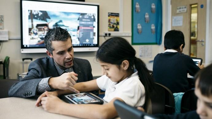 pinders_school_classroom_smart_technologies