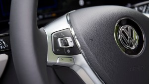 vw_touareg_steering_buttons