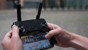 dji_mavic_air_remote_control_with_phone