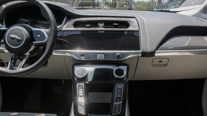 jaguar_i-pace_review_interior_shot_touch_pro_duo