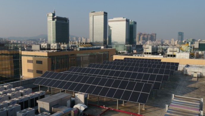 samsung_plans_to_hit_100_renewable_by_2020_-_2