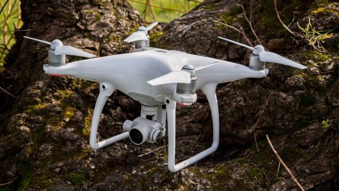 best_drones_uk_-_dji_phantom_4_pro