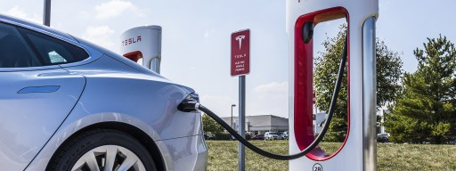 tesla_supercharger_model_s_charge