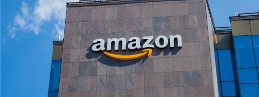 amazon_delivers_1000_jobs_to_uk
