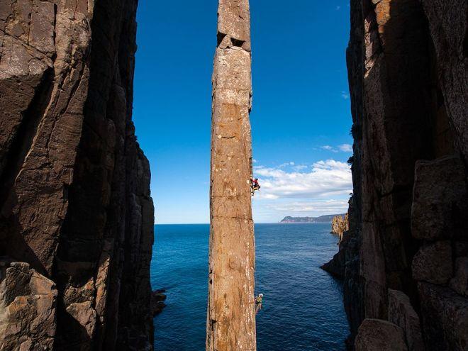 climbing-totem-pole-tasmania-australia_75003_990x742