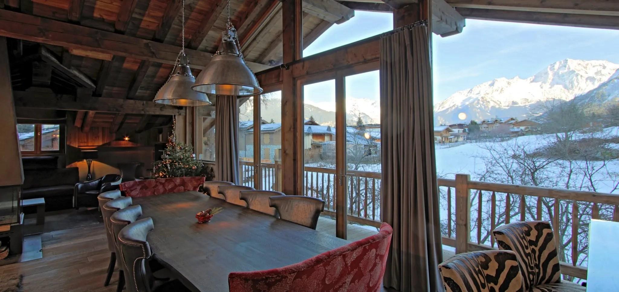 Dulcis Casu dining room and view