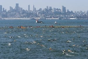 Hansjörg Ransmayr schwimmt von Alcatraz nach San Francisco