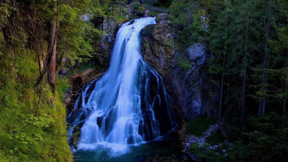 Der Gollinger Wasserfall, spektakulär und ganz nah am Bluntautal