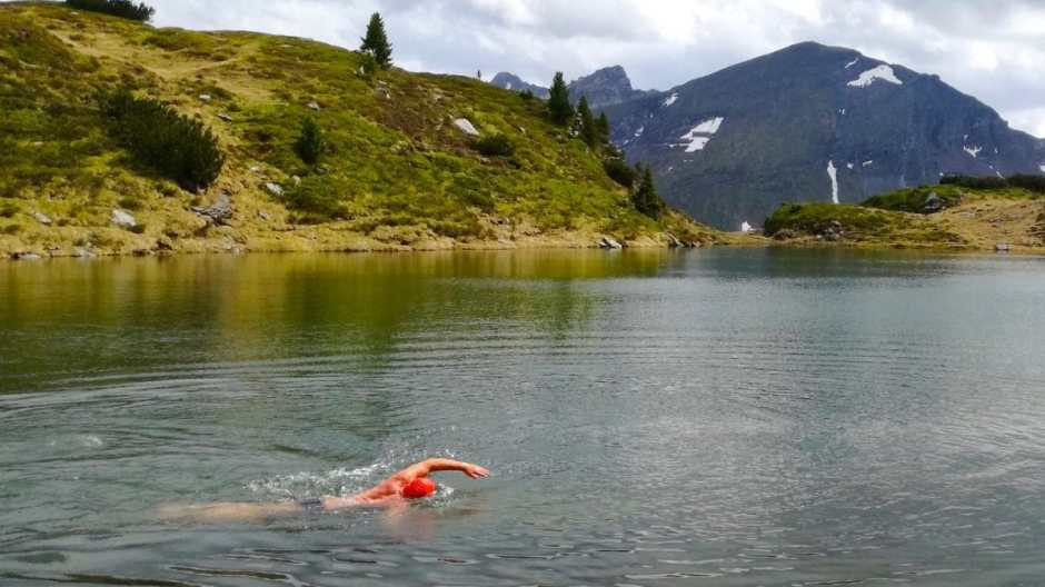 Alpineswimming in the Krummschnabelsee (Lake Krummschnabel) Obertauern