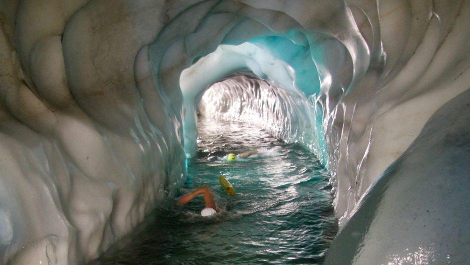 Natur-Eispalast Hintertux, Eissee, Iceswimming, Winterswimming, Wildswimming, alpine-swimming, Tirol, Wandern, Alpen,