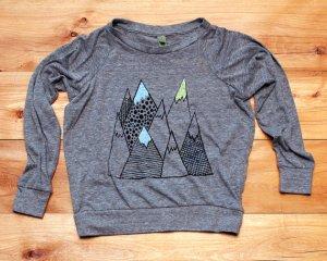 mountainsweatshirt