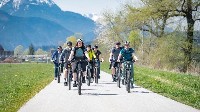 Einfach handzuhaben, schnell losdüsen ins Vergnügen: der automatische Radverleih in Tirol. // Foto: Tirol Werbung, G. Berger