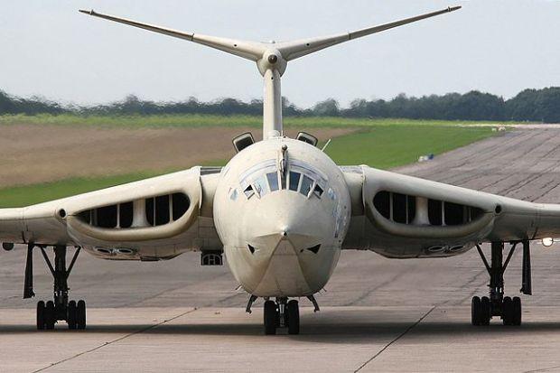 Una de las figuras más llamativas en lo que a aviación militar se refiere. (Mike Freer - Touchdown-aviation).