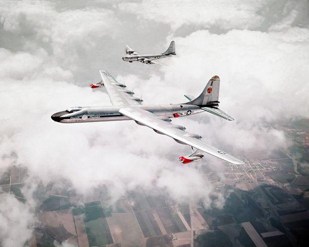 A lo lejos no parece algo extraño ni excepcional, pero la sorpresa estaba en su interior. Dedicamos un capítulo a desgranar aviones como éste, dotados de un intento de propulsión nuclear (USAF).
