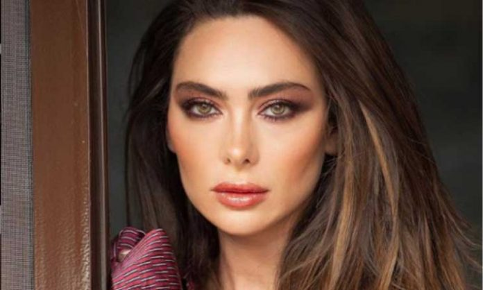 Stephanie Saliba excites her fans for the series