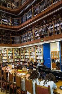 Conoce la Biblioteca Universitaria de Granada