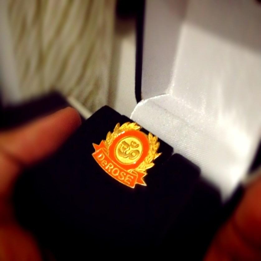 A inicios de año pasé de grado en el Método DeRose, soy insignia naranja.  Me tomó casi dos años pero lo logré!