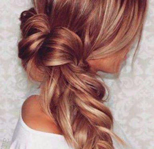 صور تسريحات شعر طويل بسيطة لاطلالة الخريف الراقية