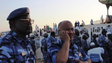 العميد ماجد مدير دائرة الامن والسلامة بالولاية يشرف علي الامن بنفسه واجلاء الجمهور