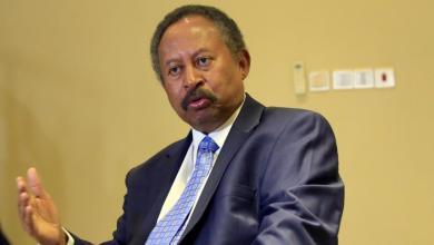 حمدوك قال إنه يريد أن تكون الحكومة المقبلة أكثر تمثيلا لولايات السودان ولأجيال الثورة (رويترز)