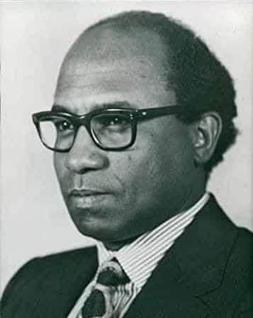 الدكتور منصور خالد