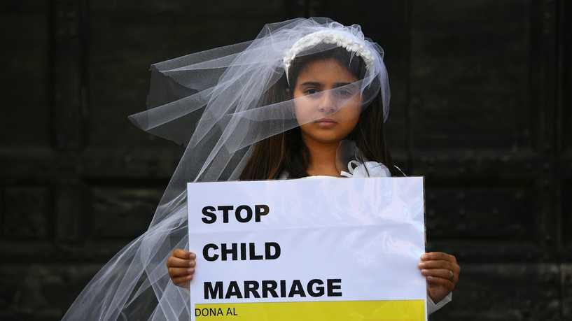 حذر ناشطون من ارتفاع معدل زواج القاصرات السوريات اللاجئات في تركيا