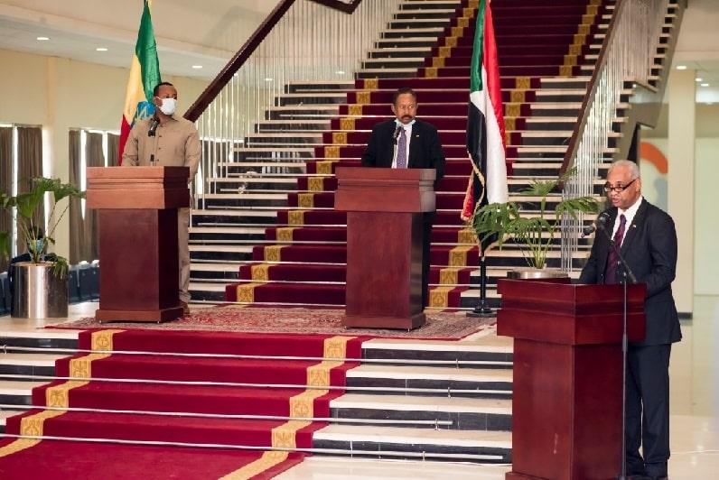 رئيس الوزراء عبد الله حمدوك ورئيس الوزراء الإثيوبي في ختام المباحثات بالخرطوم