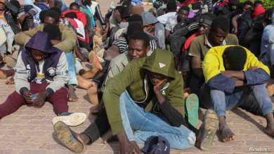 المهاجرون في ليبيا يعانون الأمرّين في رحلة بحثهم عن حياة أفضل