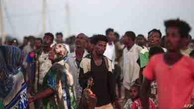 لاجئون إثيوبيون فروا من إقليم التيغراي نحو مدينة القضارف السودانية بعد اندلاع الحرب بين جبهة تحرير التيغراي المسيطرة على الإقليم وحكومة أديس أبابا - 13 نوفمبر 2020