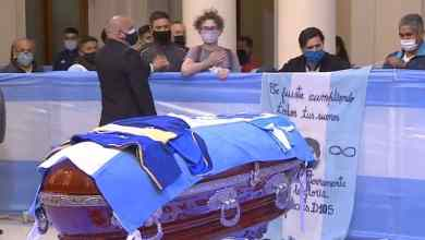 جماهير غفيرة اصطفت في مراسم وداع مارادونا CASA ROSADA