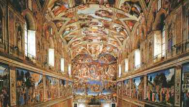 سقف كنيسة سيستينا فى الفاتيكان الذى يعتبر من أروع التحف الفنية لعصر النهضة و أحد أروع أعمال الفنان العظيم مايكل انجلو