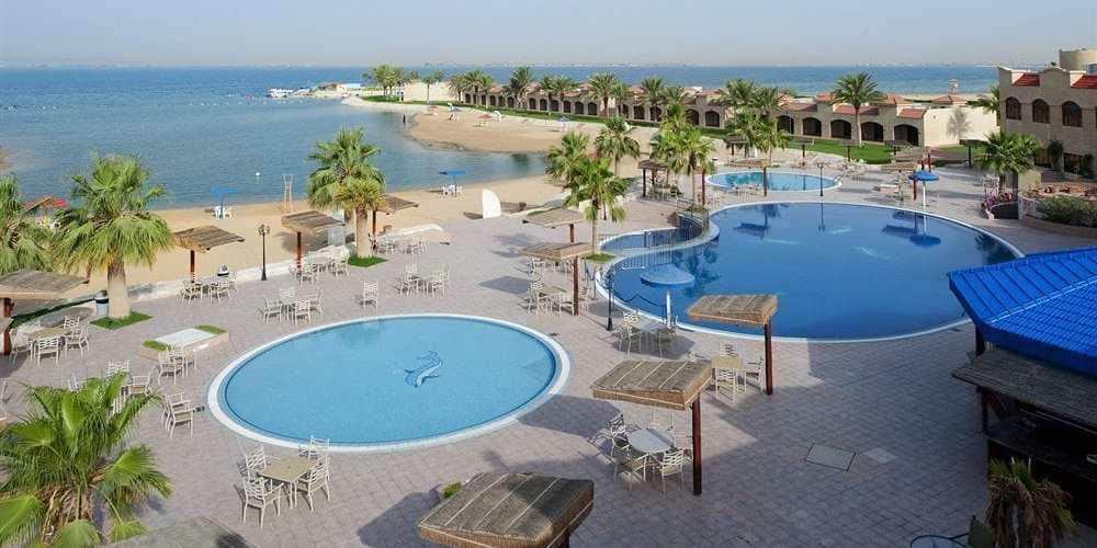 شاطئ نصف القمر الأسعار المنيو الموقع مطاعم و كافيهات الشرقية