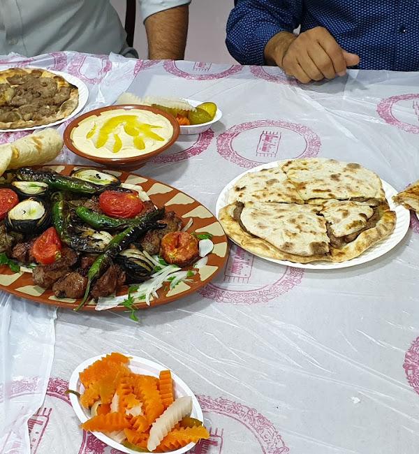 مطعم فطائر حدائق دمشق